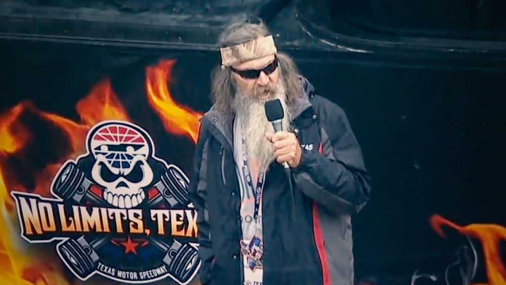 "Phil Robertson's ""controversial"" prayer at NASCAR event"