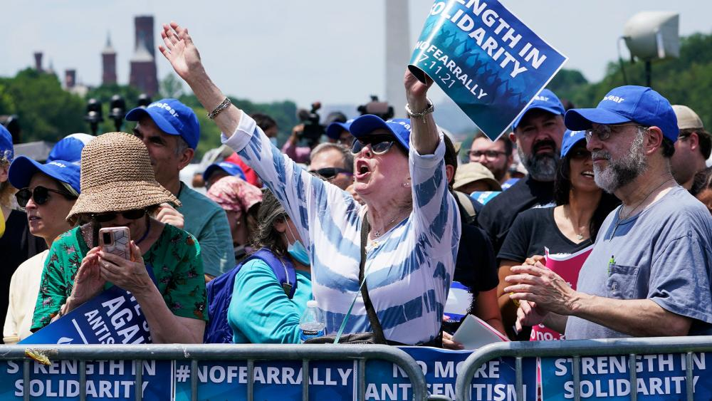"""People attend the """"NO FEAR: Rally in Solidarity with the Jewish People"""" event in Washington, Sunday, July 11, 2021. (AP Photo/Susan Walsh)."""