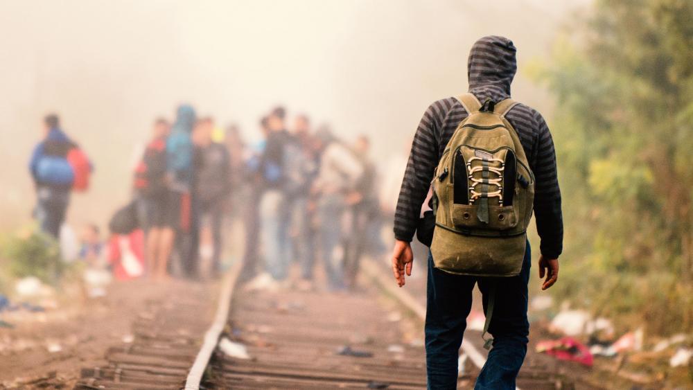 syrianrefugeemanrailroadap